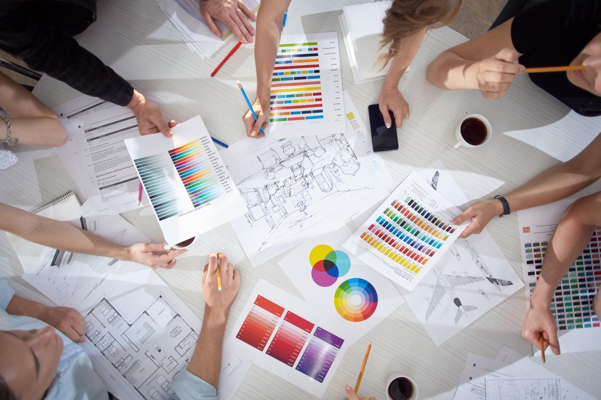 creator-team-discussion-1