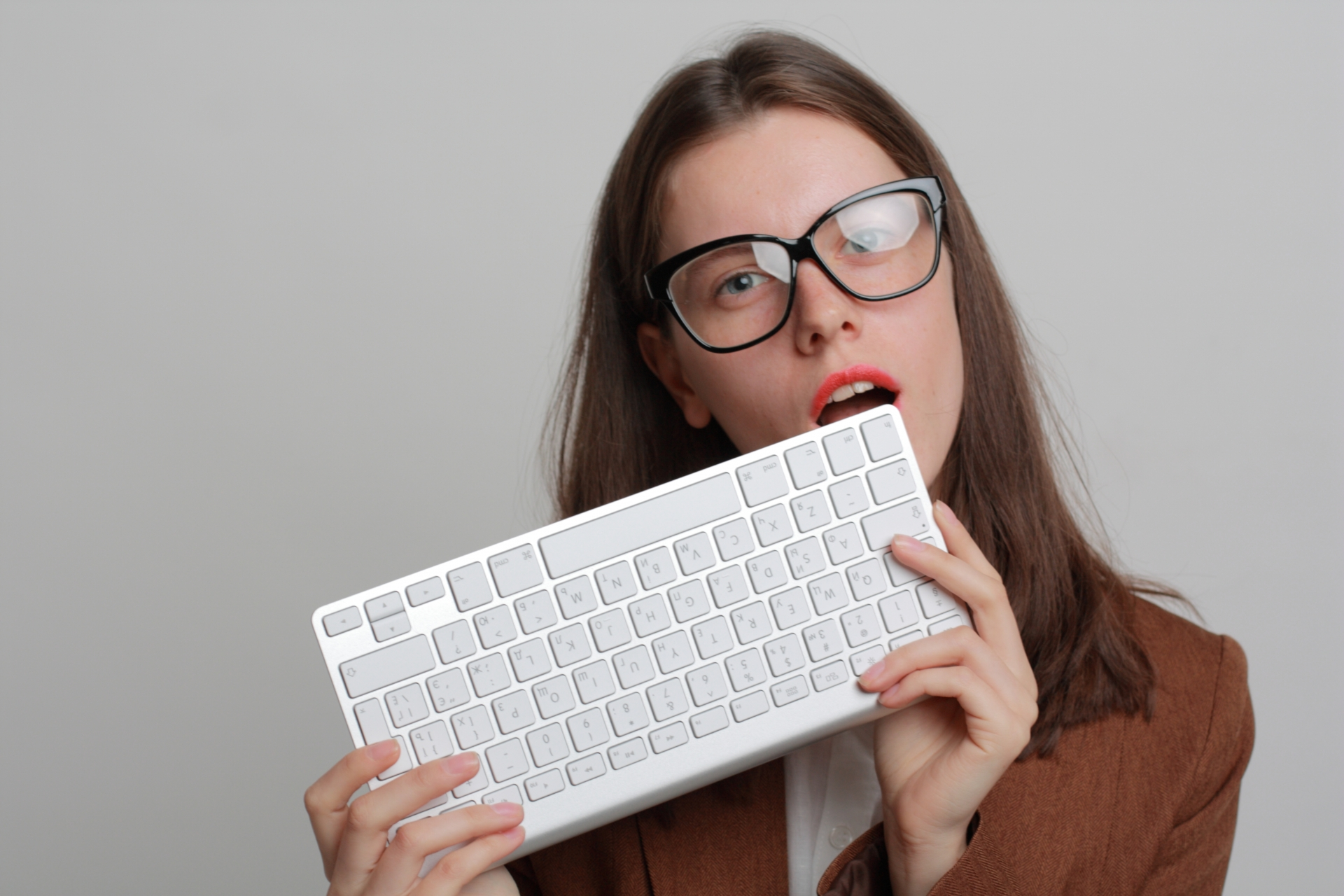 woman-having-keyword-1